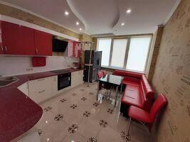 Продається 2-кімнатна квартира 70 кв. м у Одесі