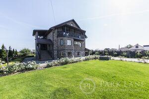 Продається будинок 2 поверховий 300 кв. м з ділянкою