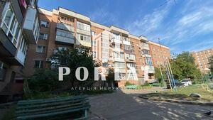 Продається 2-кімнатна квартира 50.8 кв. м у Полтаві