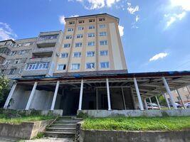 Продається торгово-офісний центр 345.75 кв. м в 7-поверховій будівлі