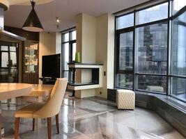 Продається 3-кімнатна квартира 144.1 кв. м у Києві