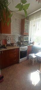 Продається 4-кімнатна квартира 62.1 кв. м у Херсоні