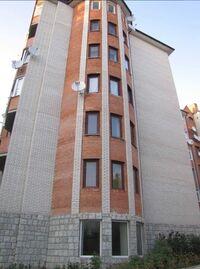 Продається 3-кімнатна квартира 144 кв. м у Тернополі
