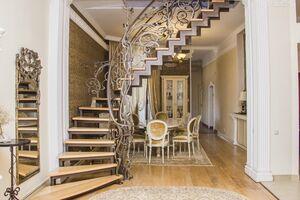 Продається 4-кімнатна квартира 185 кв. м у Тернополі