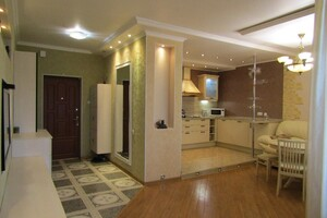 Продается 2-комнатная квартира 92.3 кв. м в Черкассах