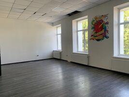 Сдается в аренду помещения свободного назначения 191 кв. м в 3-этажном здании