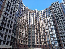 Продається 2-кімнатна квартира 67.4 кв. м у Одесі