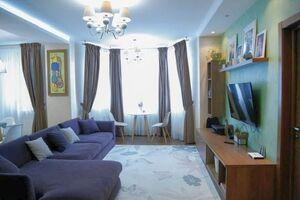 Продается 3-комнатная квартира 82 кв. м в Киеве