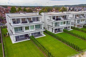 Продається будинок 3 поверховий 280 кв. м з терасою