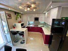 Продається 3-кімнатна квартира 81 кв. м у Чернігові