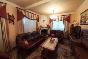 Продается дом на 2 этажа 290 кв. м с беседкой
