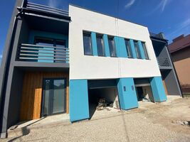 Продается дом на 2 этажа 160 кв. м с бассейном