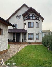 Продається будинок 3 поверховий 248.2 кв. м з подвалом