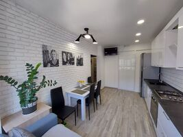 Продается 2-комнатная квартира 42 кв. м в Ирпене