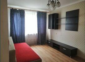 Продається 2-кімнатна квартира 47 кв. м у Василькові