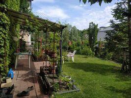 Продається будинок 2 поверховий 250 кв. м з садом