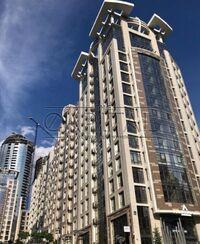 Продается 5-комнатная квартира 209 кв. м в Киеве