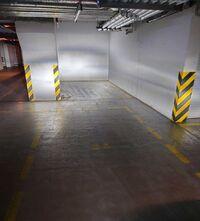 Сдается в аренду подземный паркинг под легковое авто на 35 кв. м