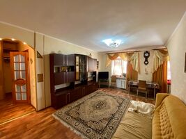 Сдается в аренду 1-комнатная квартира 60 кв. м в Николаеве