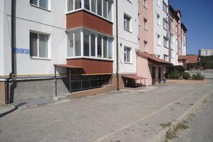 Продається приміщення вільного призначення 149.5 кв. м в 7-поверховій будівлі