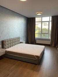 Сдается в аренду 1-комнатная квартира 70 кв. м в Киеве