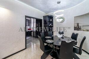 Продается 4-комнатная квартира 160 кв. м в Сумах