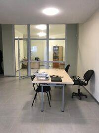 Продается офис 110 кв. м в нежилом помещении в жилом доме