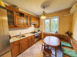 Продается 3-комнатная квартира 68.4 кв. м в Киеве