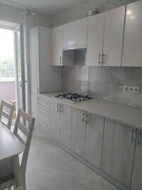 Сдается в аренду 4-комнатная квартира 72 кв. м в Чернигове