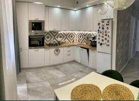 Продается 2-комнатная квартира 93 кв. м в Киево-Святошинске