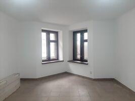 Сдается в аренду офис 40 кв. м в нежилом помещении в жилом доме