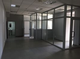 Сдается в аренду помещения свободного назначения 168 кв. м в 5-этажном здании