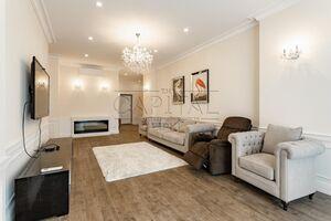 Сдается в аренду 4-комнатная квартира 156 кв. м в Киеве