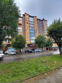 Продается 3-комнатная квартира 110 кв. м в Черновцах
