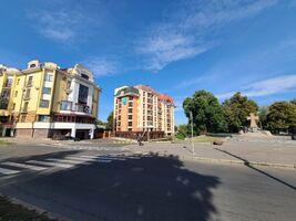 Продається 2-кімнатна квартира 102.07 кв. м у Полтаві