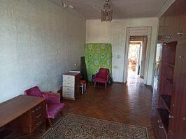 Продается 2-комнатная квартира 55 кв. м в Мариуполе