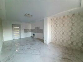 Продається 2-кімнатна квартира 86 кв. м у Тернополі