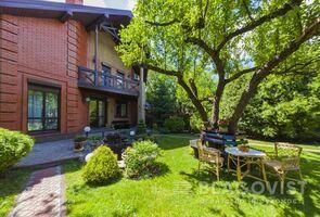 Продається частина будинку 180 кв. м з ділянкою