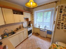 Продається 3-кімнатна квартира 63.5 кв. м у Хмельницькому