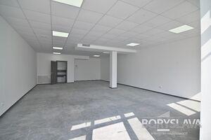 Сдается в аренду офис 76 кв. м в торгово-офисном центре