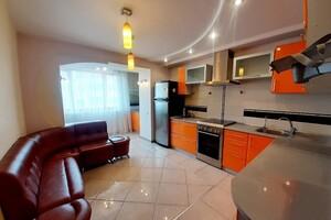 Продается 5-комнатная квартира 132.7 кв. м в Тернополе