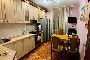 Продается 4-комнатная квартира 82 кв. м в Хмельницком