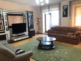 Здається в оренду 3-кімнатна квартира 102 кв. м у Вінниці