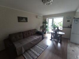 Продається 3-кімнатна квартира 57.7 кв. м у Києві