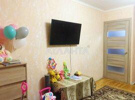 Продается 1-комнатная квартира 35.6 кв. м в Мариуполе