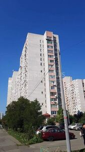 Продается 4-комнатная квартира 94 кв. м в Киеве