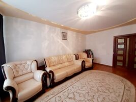Продается 5-комнатная квартира 145 кв. м в Тернополе