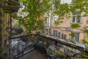 Продается 2-комнатная квартира 62 кв. м в Киеве