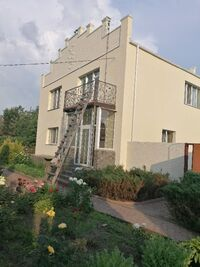 Продается дом на 2 этажа 240 кв. м с камином