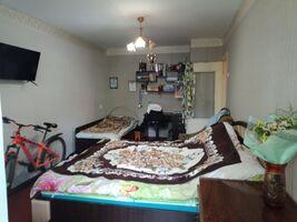 Продается 1-комнатная квартира 31.5 кв. м в Мариуполе